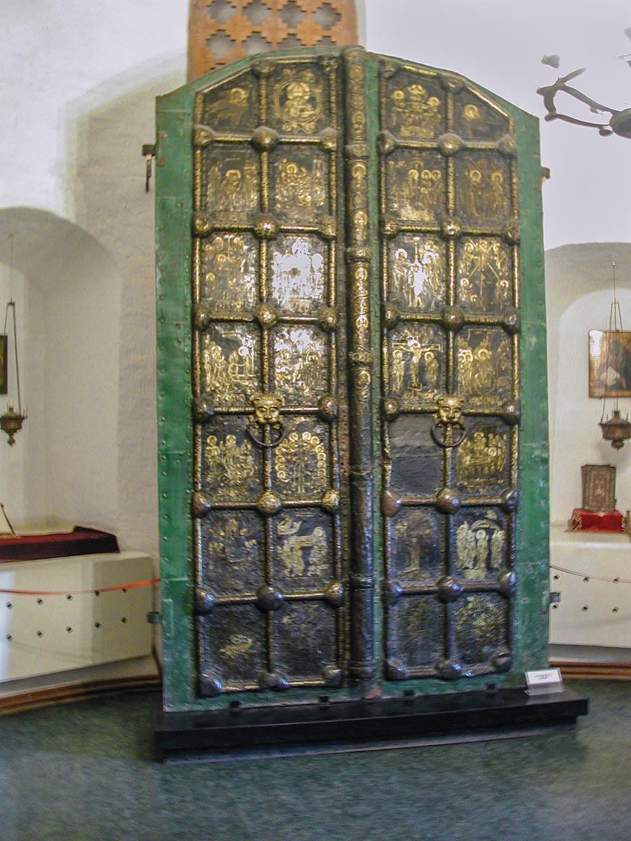 Врата в музее