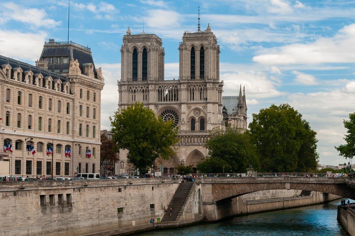 фото города Парижа, Нотр-Дам