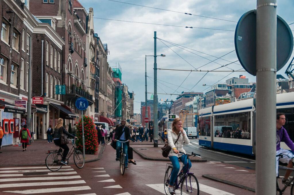 Улица с транспортом